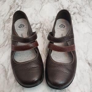 Clarks Brown Mary Jane's Sz 7